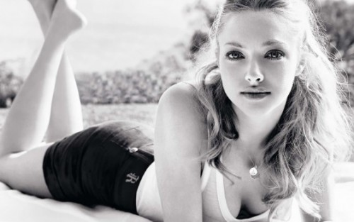 57-amanda-seyfried-jennifers-body-560x350