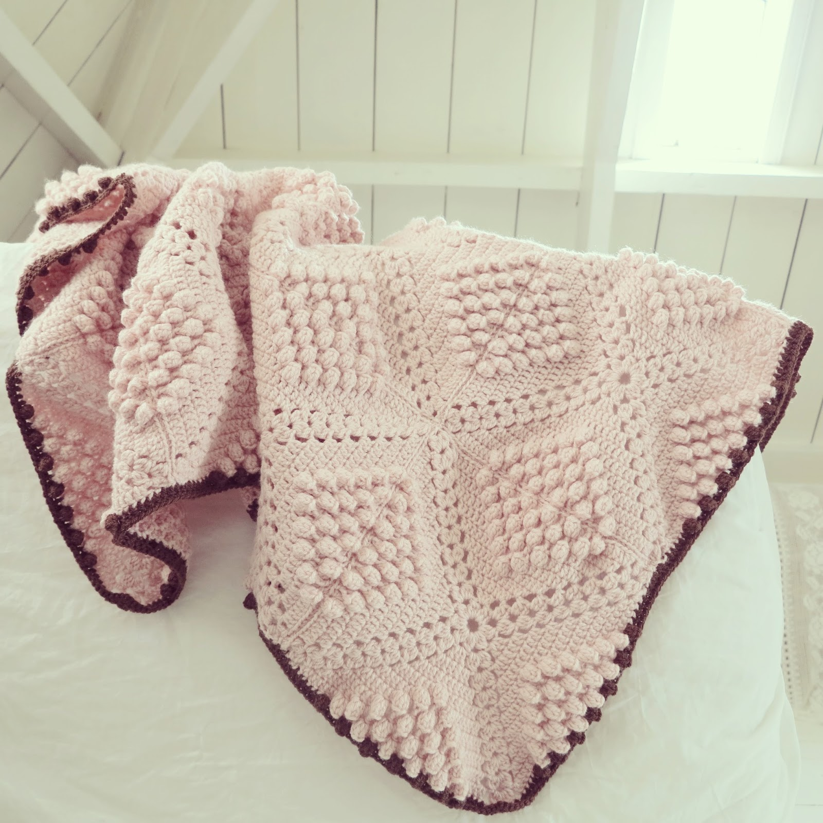Free Crochet Popcorn Baby Blanket Pattern : 10 Free Crochet Patterns & Tutorials for Baby Blankets ...