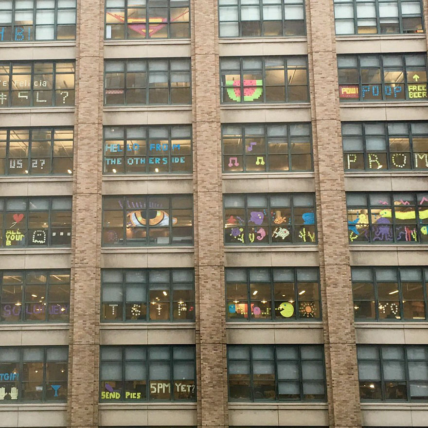 building-post-it-war-notes-nyc-manhattan-14