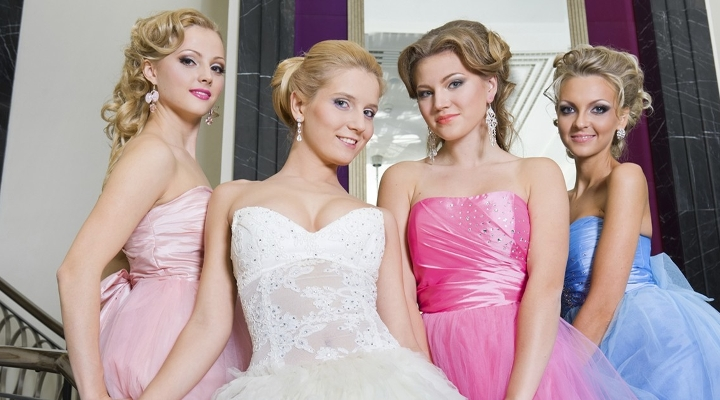 This Bridezilla Tried To Get Her Bridesmaids To Pay For Her $10,000 Dress