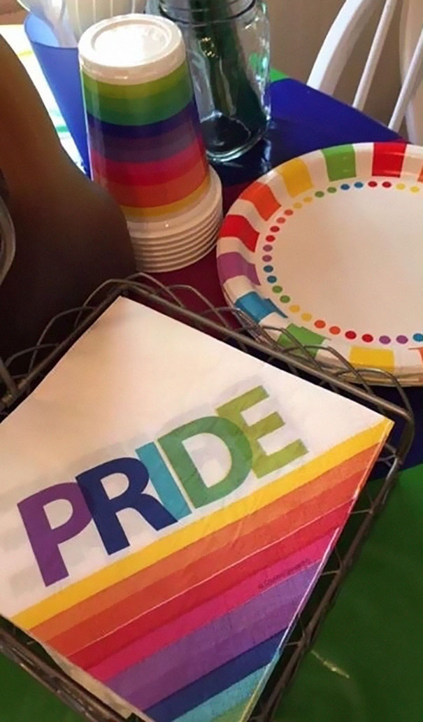 daughter-comes-out-parents-throw-pride-party-kinsey-8