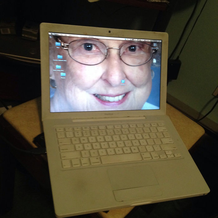 I Opened My Moms Computer This Morning And Found My Hd Grandmom As Her Wallpaper