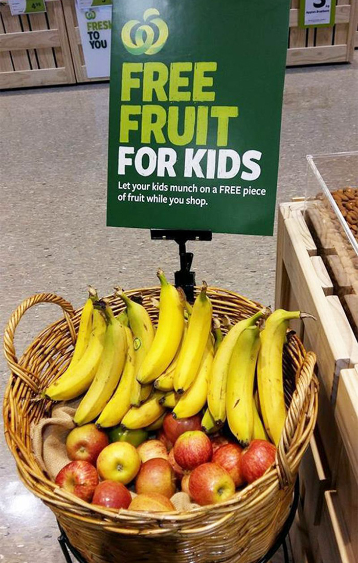 Store Offers Fresh Free Fruit For Children While Their Parents Shop!