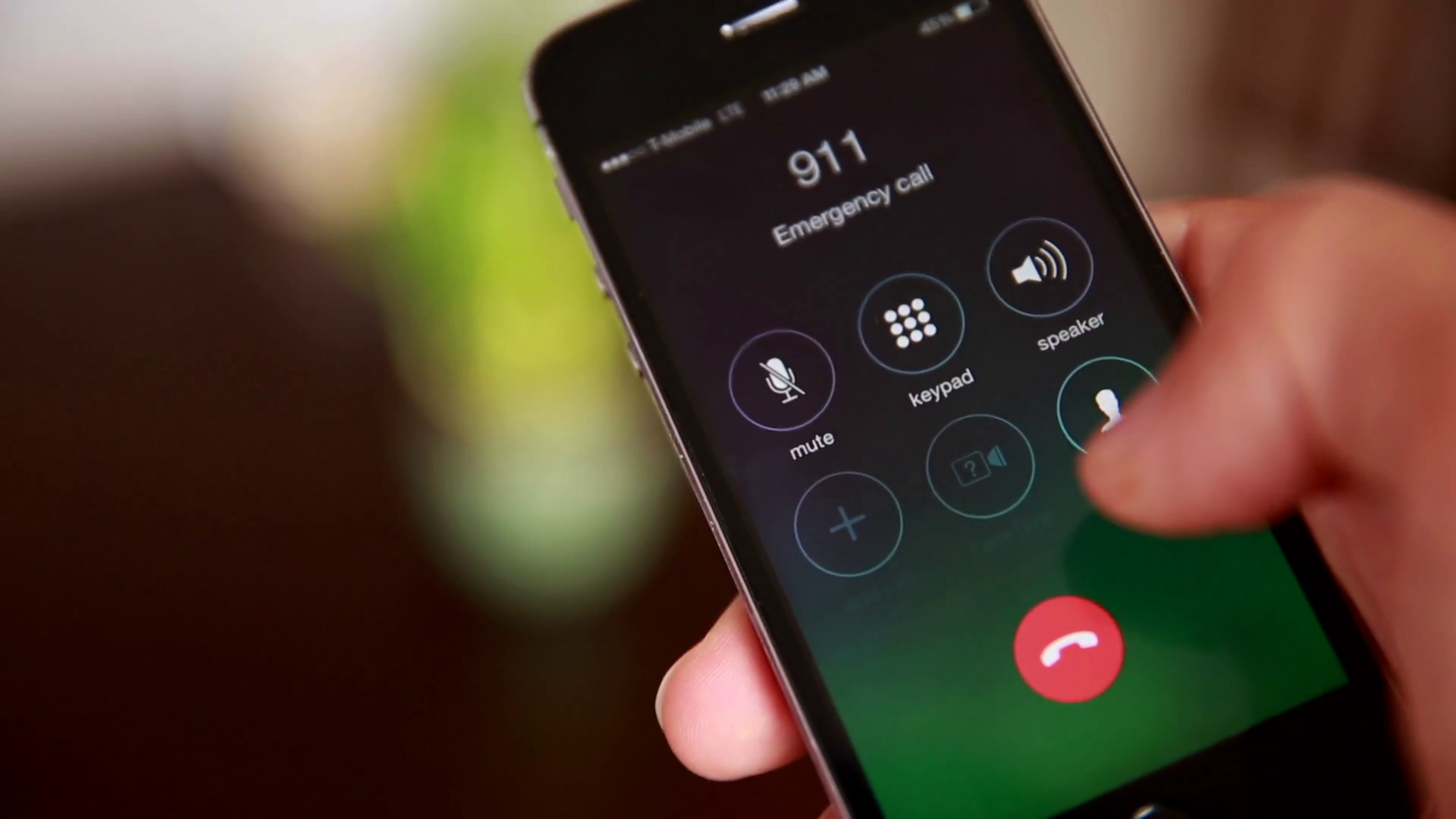911 Dispatcher Answers Emergency Call, Only To Hear A Familiar Voice