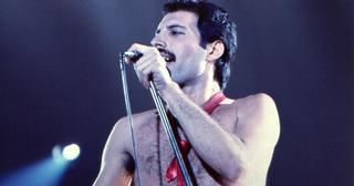 freddie-mercury-death-1541171230175-1541171232176.jpg