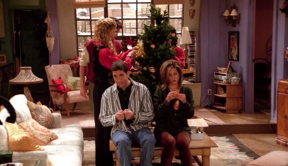 10 christmas episodes of friends you need to rewatch for the 10 gone viral. Black Bedroom Furniture Sets. Home Design Ideas