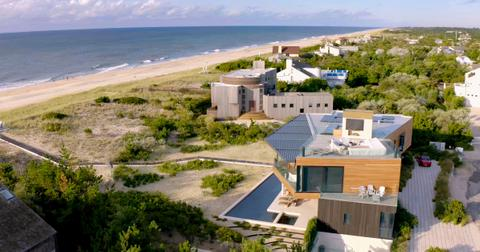 sandy-million-dollar-beach-house-2-1598894174197.jpg